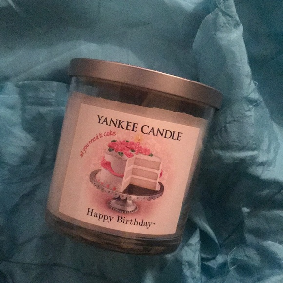 Happy Birthday Yankee Candle M 5a9dabd650687c124876aa7f